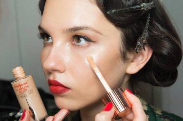 Charlotte-Tilbury-AW18-backstage-at-Alice-Temperley-LFW-Look-1