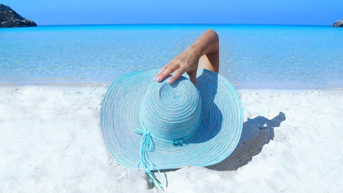 blue beach hat