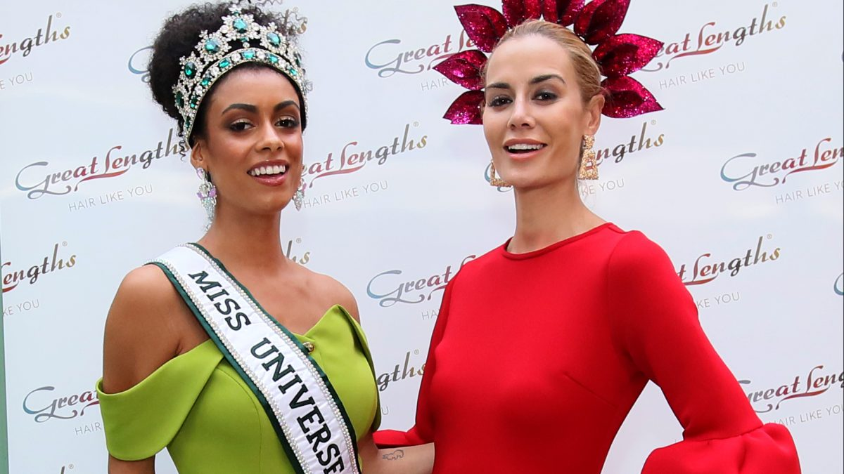 NO REPRO FEE 9/8/2019 Pictured last night at the Great Lengths – The Mane Event at HOUSE Dublin, Leeson Street after the Dublin Horse Show are, from left, Miss Universe Ireland Fionnghuala O'Reilly and Britney Mason. Hosted by Great Lengths ambassador Lottie Ryan and judged by Irish milliner Margaret O'Connor, fashion editor Elle Gordon and top Irish model Aoife Walsh, The Mane Event was the perfect end to a fashionable day with a best dressed competition and celebrating all things hats and hair. PHOTO: Mark Stedman