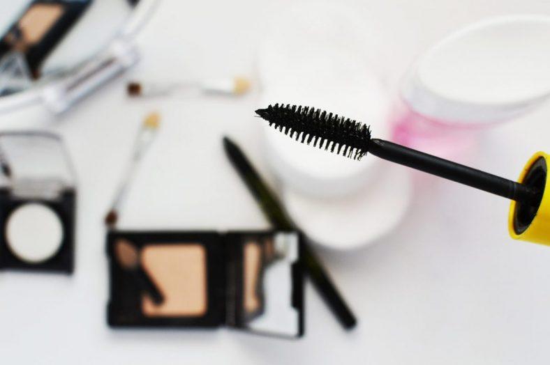 beauty-cosmetics-eye-3119