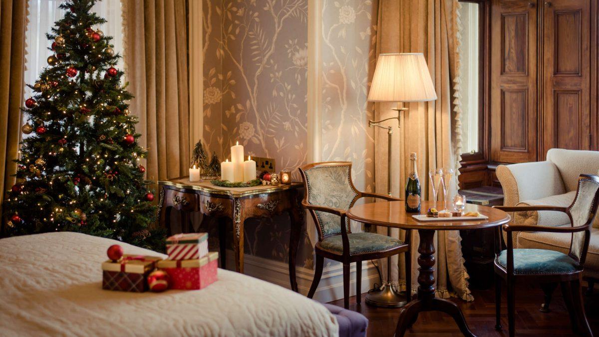 Cahernane_House_Hotel_bedroom_Christmas