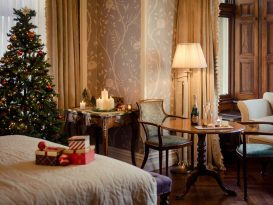 Cahernane_House_Hotel_bedroom_Christmas
