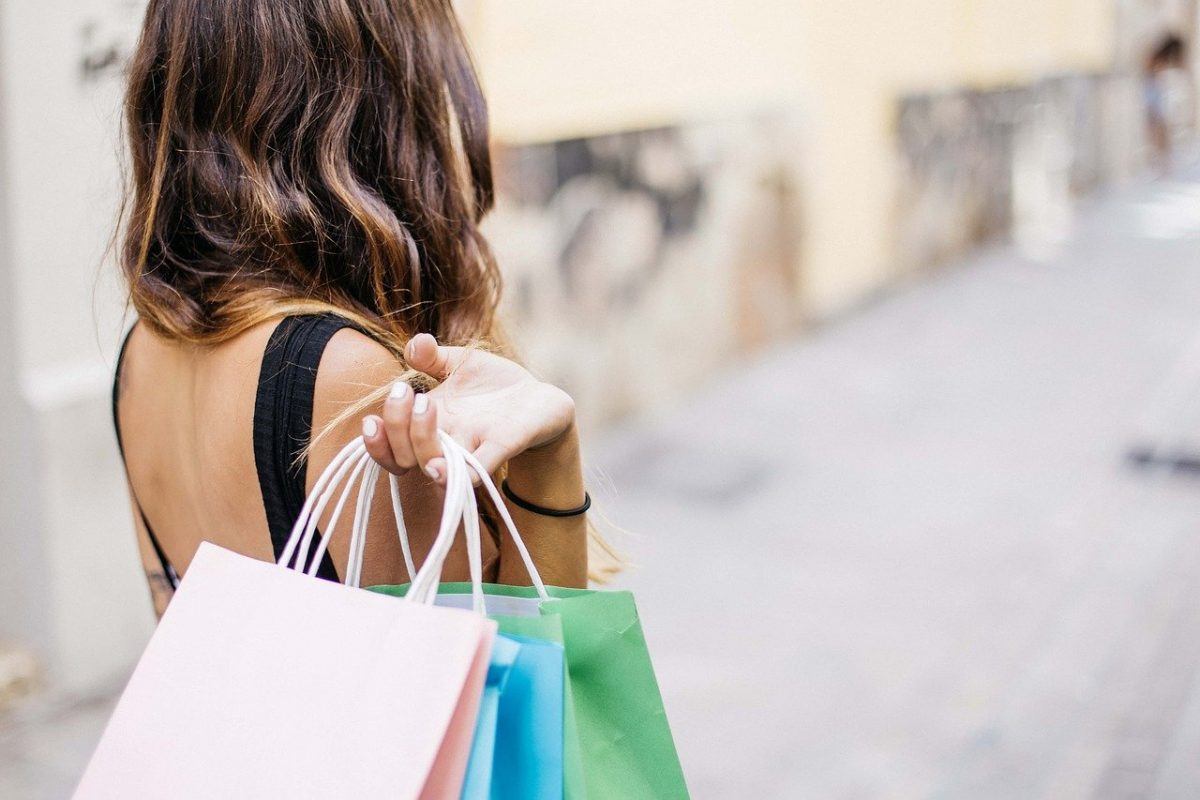 Feature Image, Woman Shopping