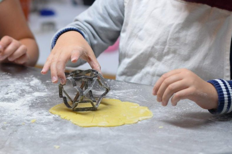 feature image: children baking
